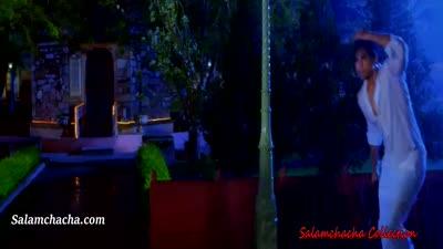 Ishq Mera Bezubaan (Hot & Romantic Song)
